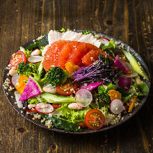 Salad of superfoods and 14 kinds of vegetables