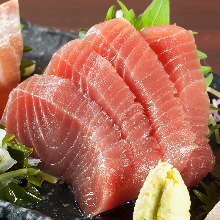 Chutoro (medium fatty tuna) sashimi