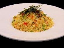 Fried rice of Nozawana and dried baby sardines