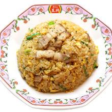 Fried rice with pork ribs