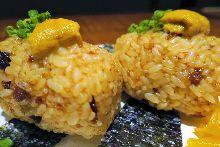 Sea urchin rice ball