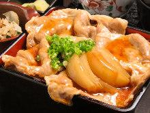 Pork sukiyaki in a laquered box