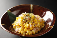 Stir-fried crab with corn and butter