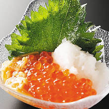 Grated daikon radish with salmon roe