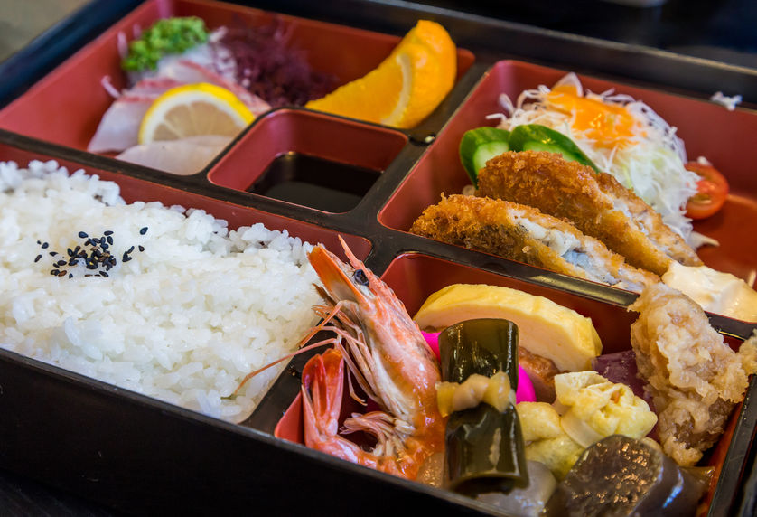 13 Japanese Picnic Food & Drink Ideas for Your Next Outing ...