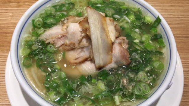 Juicy Meat Delights: The Kings and Queens of Roasted Pork Ramen