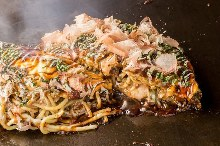 Mixed Hiroshima-style okonomiyaki