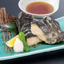 Marinated deep-fried seafood (seasoned with soy sauce)