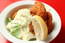 Deep-fried oysters with tartar sauce