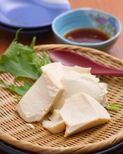 Yosedofu (fresh tofu)