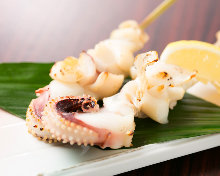 Salted and grilled squid tentacles