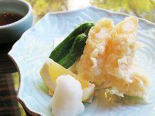 Deep-fried shrimp and yuba (tofu skin) roll