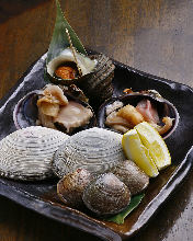 Assorted grilled shellfish