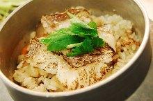 Tai dashi chazuke kamameshi (sea bream and pot rice with broth)