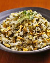 Leaf mustard and baby sardine fried rice