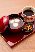 Shiratama zenzai (sweet red bean soup with rice flour dumplings)