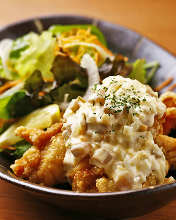 Fried chicken with Nanban sauce and tartar sauce of Narazuke