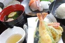 Tempura meal set with sashimi