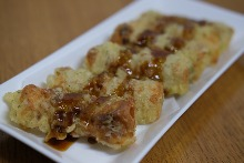 Seaweed-wrapped and fried fish paste tube