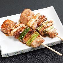 Grilled tuna and Japanese leek skewers