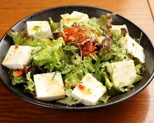 Sweet chili salad with tofu and kimchi