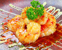 Shrimp with chili sauce and mayonnaise