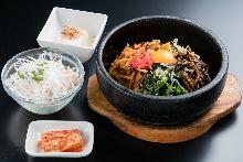 Stone-roasted bibimbap set meal