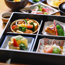 6,000 JPY Course (9 Items)