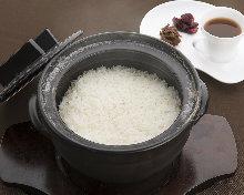 厳選米の土鍋御飯