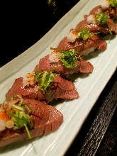 Seared meat sushi