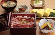 Set meal of eel bowl, Japanese omelet and Nikujaga (simmered meat and potatoes)