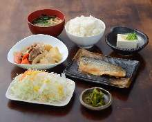 Mackerel stew with ginger, Nikujaga (simmered meat and potatoes) set meal