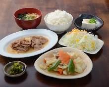 Ginger-fried pork, meat and vegetable stir-fry set meal