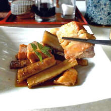 Boiled pork belly and burdock