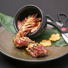 Tsuboduke kalbi yaki (marinated  and grilled short ribs)