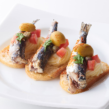 Oil sardine and tomato bruschetta