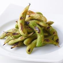 Grilled edamame, peperoncino flavor