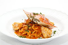 Tomato cream sauce pasta with Japanese blue crab