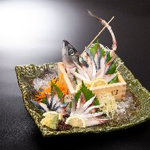 Sugata-zukuri (sliced sashimi served maintaining the look of the whole fish)