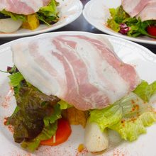 Ham and lettuce salad