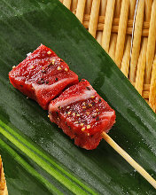 Fried beef fillet skewer