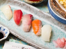 Assorted nigiri sushi, 5 kinds