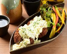 Minced chicken cutlet with tartar sauce