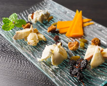 Assorted cheese, 5 kinds