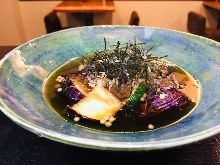 Deep-fried eggplant in broth