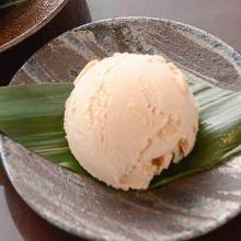 Yatsuhashi ice cream