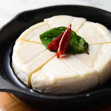 Camembert cheese ajillo