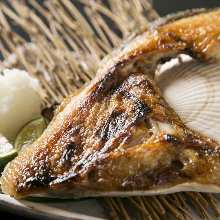 Salted and grilled fish head