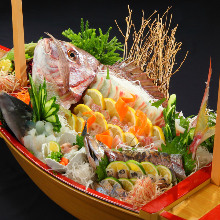 Sea bream sugata-zukuri (sliced sashimi served maintaining the look of the whole fish)