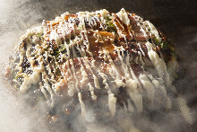 Mixed meat and seafood with spring onion okonomiyaki